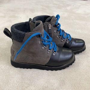 Ugg Australia Kids Hilmar Waterproof Winter boots Size USA 1 / UK 13